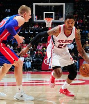 ATLANTA, GA - OCTOBER 18: Kent Bazemore #24 of the Atlanta Hawks drives against the Detroit Pistons on October 18, 2014 at Philips Arena in Atlanta, Georgia.  NOTE TO USER: User expressly acknowledges and agrees that, by downloading and/or using this Photograph, user is consenting to the terms and conditions of the Getty Images License Agreement. Mandatory Copyright Notice: Copyright 2014 NBAE (Photo by Scott Cunningham/NBAE via Getty Images)